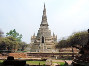 This tower is one of the three chedi that make up Wat Phra Si Sanphet.